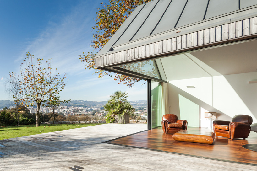 prod-architecture-house-with-four-houses-portugal-designboom-06